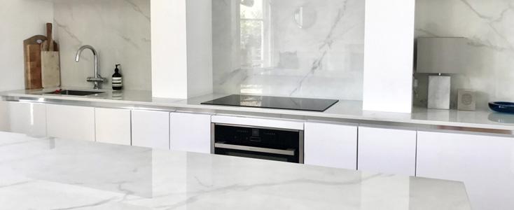 encimera-blanca-dekton-cocina-moderna-franjos